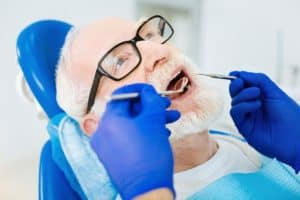 Effects of aging on dental health